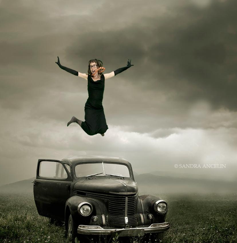 emma-saut-voitureW©